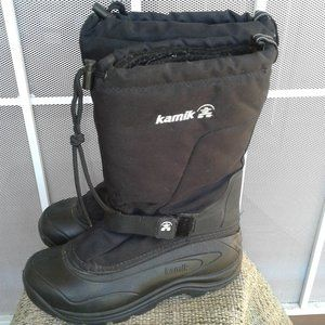 Kamik Men's Winter Boot with Felt Liners  Size 9